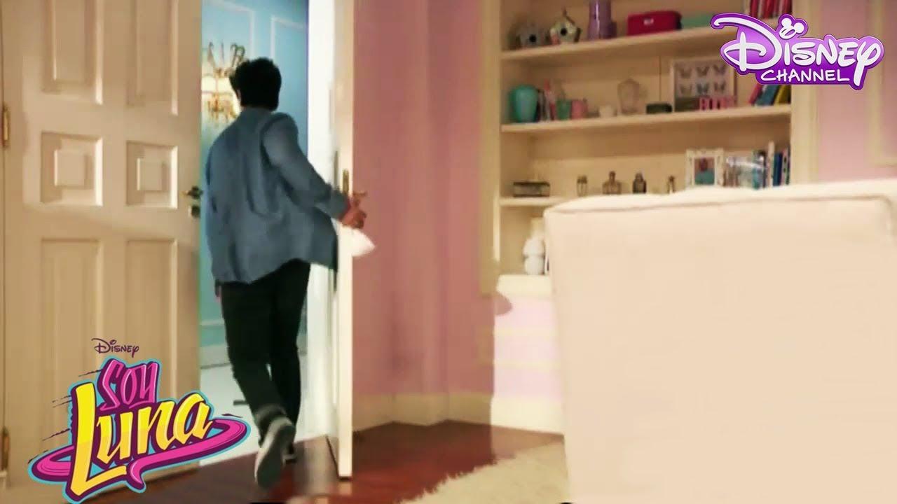 Soy Luna 2 - Simon se va del cuarto de Ambar al ver el pañuelo en su ...