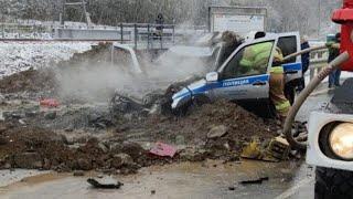 Инспекторы ДПС на Сахалине пострадали в аварии с Бензовозом