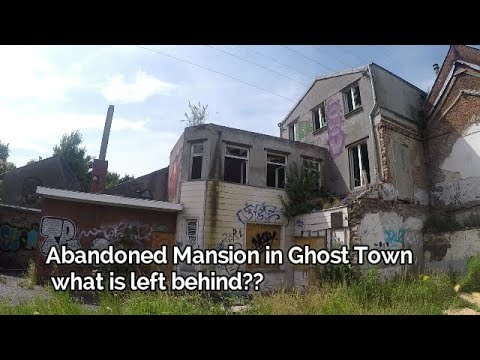 We Found A Mansion With Stuff Left Behind In Abandoned Ghost Town!