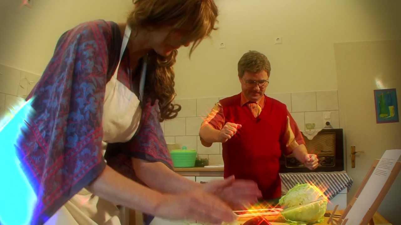 Hansis Küche Schwerin | The Dancing Salad Kitchen Die Tanzende Salat Kuche Youtube