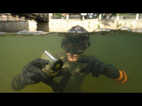 Found Lost Waterproof Camera, Knife and Ray-Bans Underwater in River! (Freediving)