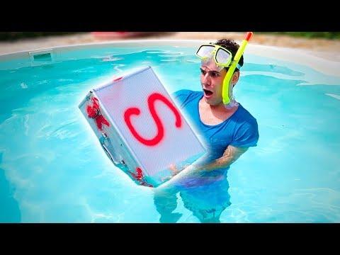 TROVIAMO UNA SCATOLA MISTERIOSA SOTT'ACQUA! (Underwater Mystery Box)
