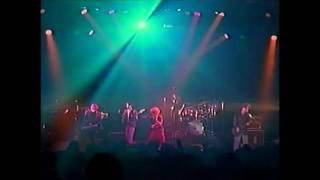 LA-PPISCH 1988年のライブ映像です。 1987年のメジャーデビューアルバム...