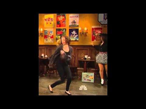 Emma Stone Dancing (for 10 minutes)