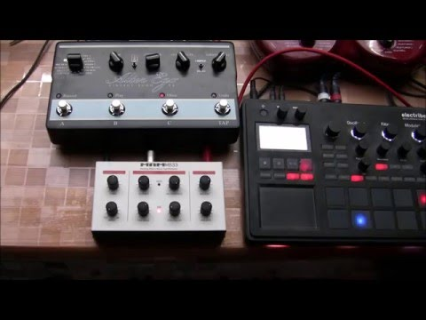 ACID: demo of MAM MB 33 retro (303 clone) with TC Alter Ego X4 & Line6 POD