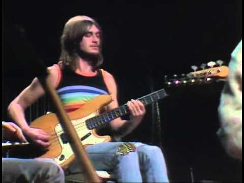 a198abafaed4 Mike Oldfield Tubular Bells Part1 Live BBC 1976 - YouTube