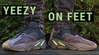new product a65ee 119b5 Yeezy 700 Mauve