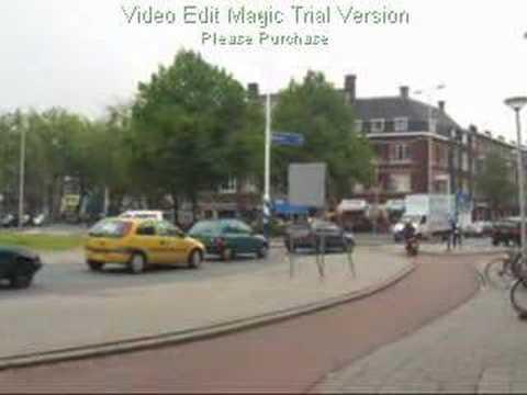 Cyclists at a Rotterdam roundabout