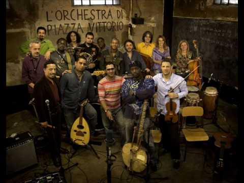 L'Orchestra Di Piazza Vittorio - Sahara Blues