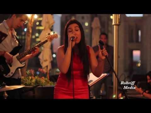 Alicia Keys- Unbreakable, Liela Avila