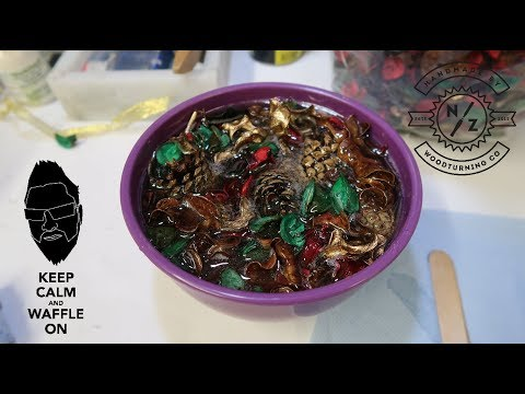 woodturning - mixing resin & potpourri together