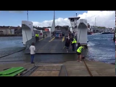 Passengers Stranded On Isle Of Wight's New Floating Bridge | Isle of Wight Radio