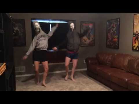 Juju On The Beat (Mannequin Head Dance)
