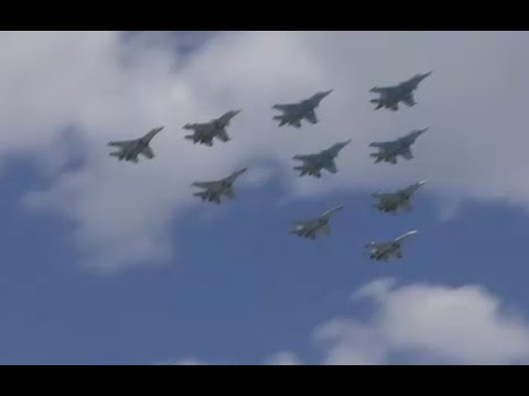 Russian jets rehearse Red Square V-Day aerial display