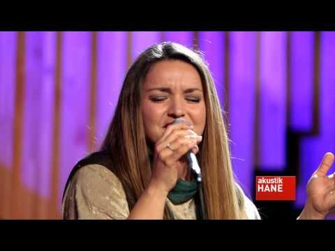 Jülide Özçelik - Şu Yalta'dan Taş Yükledim / #akustikhane #sesiniac