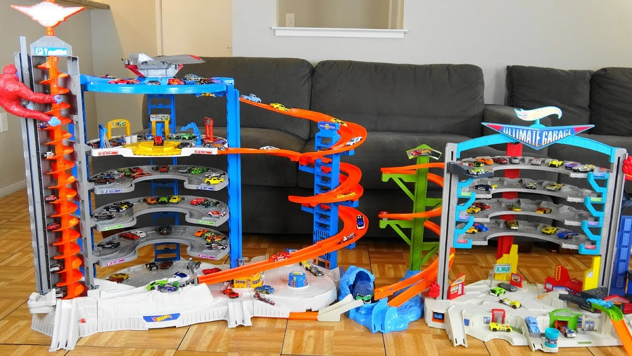 Hot Wheels Super Ultimate Garage Vs Ultimate Garage Youtube