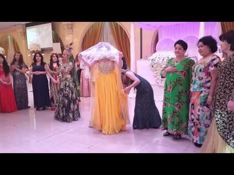 Uzbek kelin salom in USA wedding.