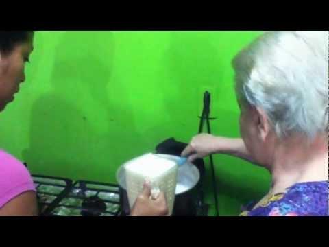 'Manjar de leche' receta de doña Cheya Carrion .!!