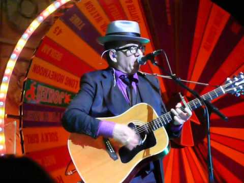 Elvis Costello \