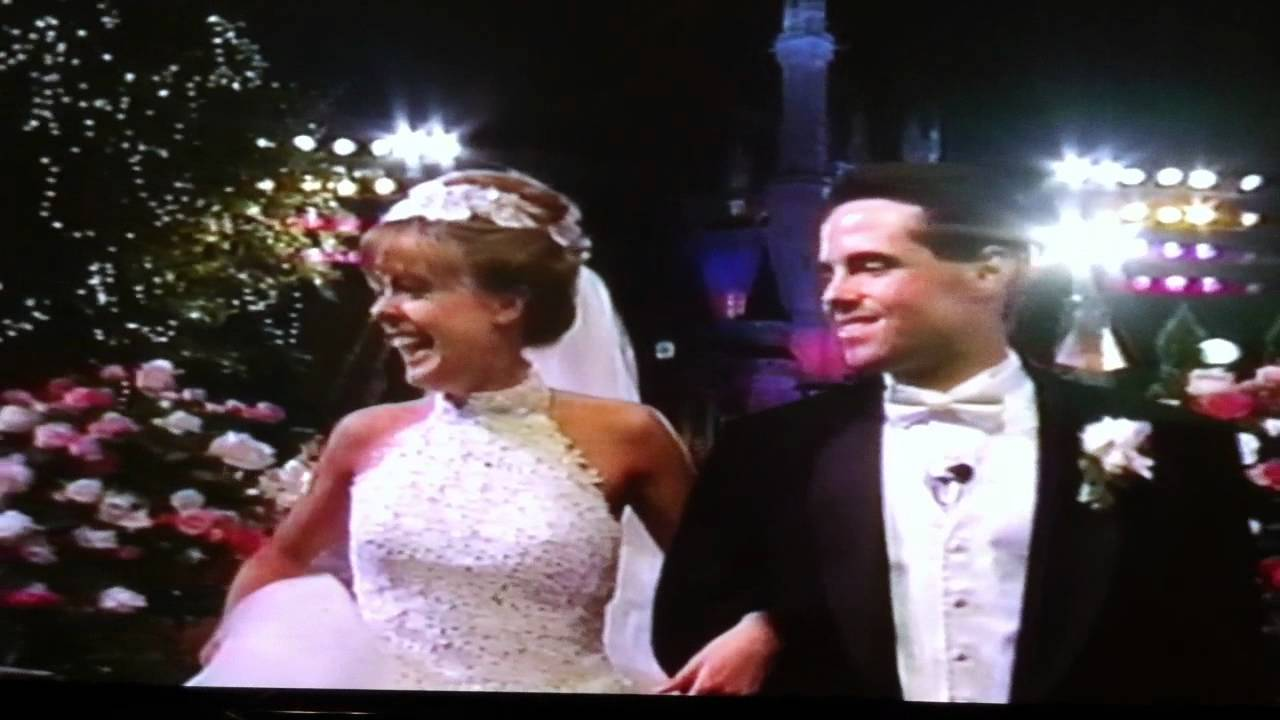 Weddings Of A Lifetime Cinderella Kiss