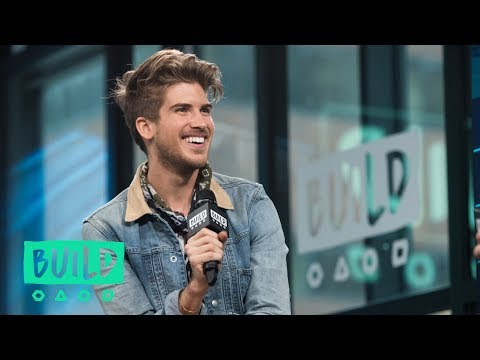 "Joey Graceffa Talks About YouTube Red's ""Escape The Night"""