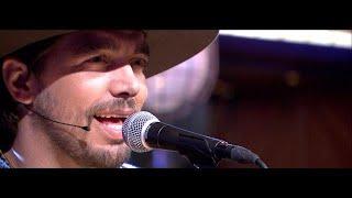 Waylon rockt met Songfestival-nummer 'Outlaw In 'Em' - RTL LATE NIGHT