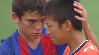 Barcelona Youth Soccer Team's Heartwarming Sportsmanship (VIDEO)