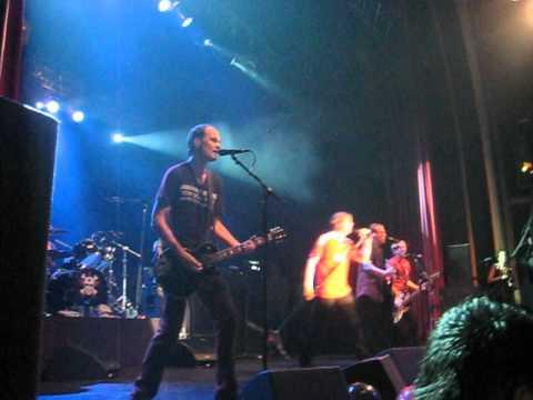 Die Toten Hosen en Teatro Vorterix (Argentina) Uno, Dos, Ultraviolento 11/09/12