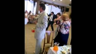 Прикол на свадьбе !!!