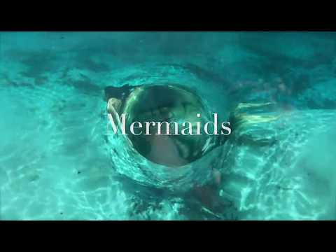 Professional Ohio Mermaid, Underwater Model and Free diver Rebecca MacKay