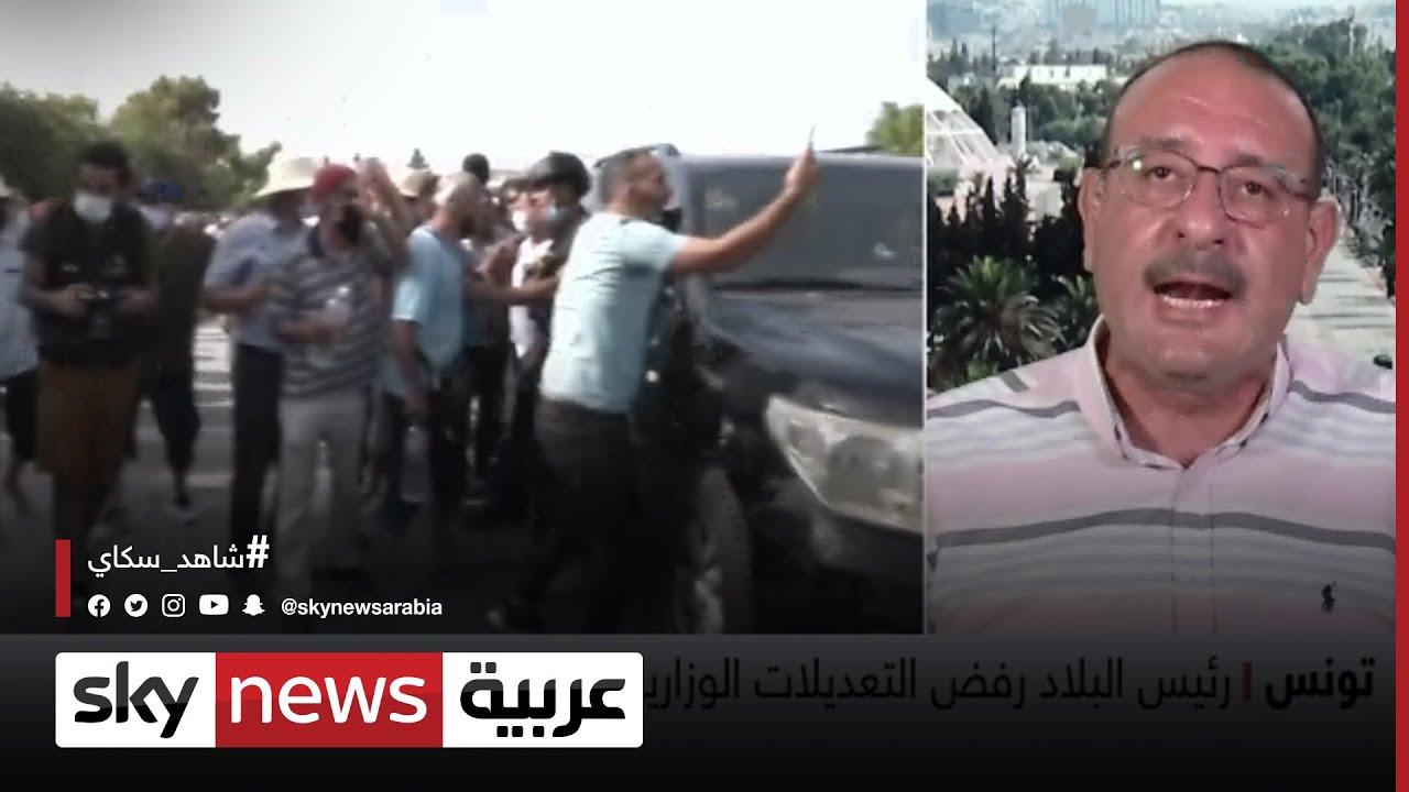 #تونس: محتجون يلقون الحجارة على سيارة الغنوشي
