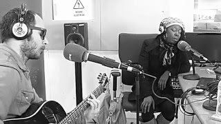 """Shirley Davis & The Silverbacks """" What Can I Do """" acústico . Onda Madrid. 14.03.16"""