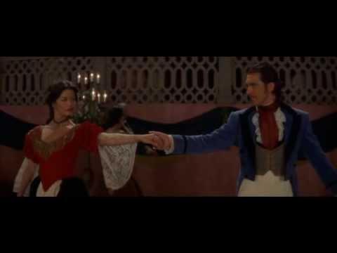 Танец Антонио Бандереса из фильма Маска Зорро!