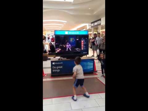 Видео: Cool Kid Dancing Just Dance 2016 Im an Albatraoz