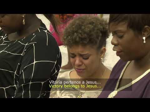 Grupo de Louvor-Vitoria pertence a Jesus  Legendado