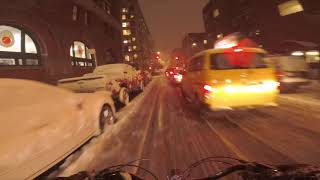 Gambar cover Cycling in NYC - Commuting in the Snow