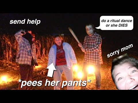 Going Through a Haunted Corn Maze W/My Mom *hilarious*