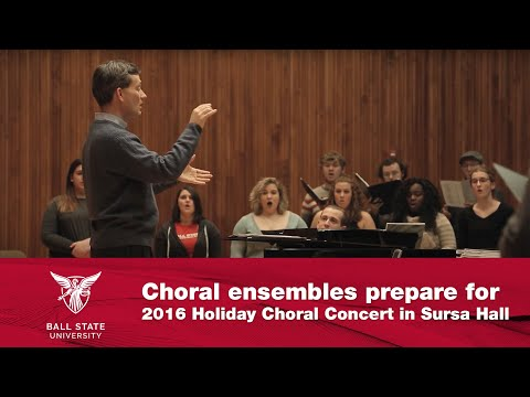 Choral ensembles prepare for 2016 Holiday Choral Concert in Sursa Hall