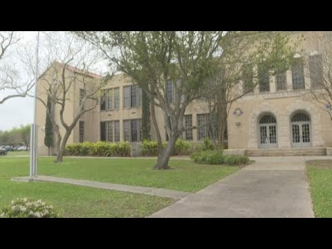 Corpus Christi's Menger Elementary School celebrates 90 years