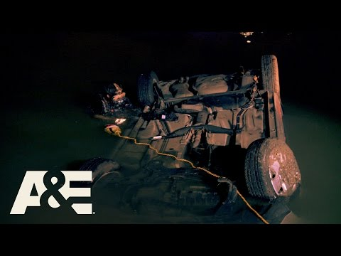 Nightwatch: Possible Underwater Body Recovery (Season 2, Episode 3)| A&E
