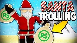 SANTA DISGUISE TROLLING *FREE ROBUX PRESENTS* | Super Power Training Simulator (ROBLOX)