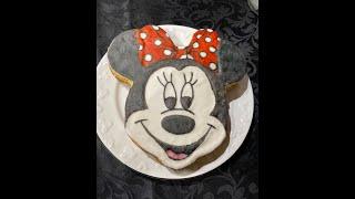 Making A Minnie Mouse Sponge Cake #shorts