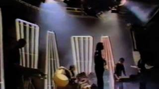 Peter Gabriel - No Self Control (BBC Top Of The Pops 1980)
