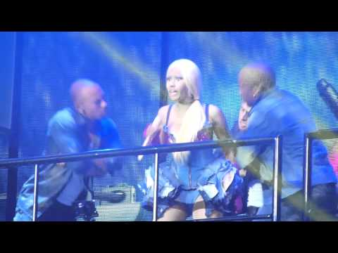 Nicki Minaj - Raining men... at the o2 London 2012