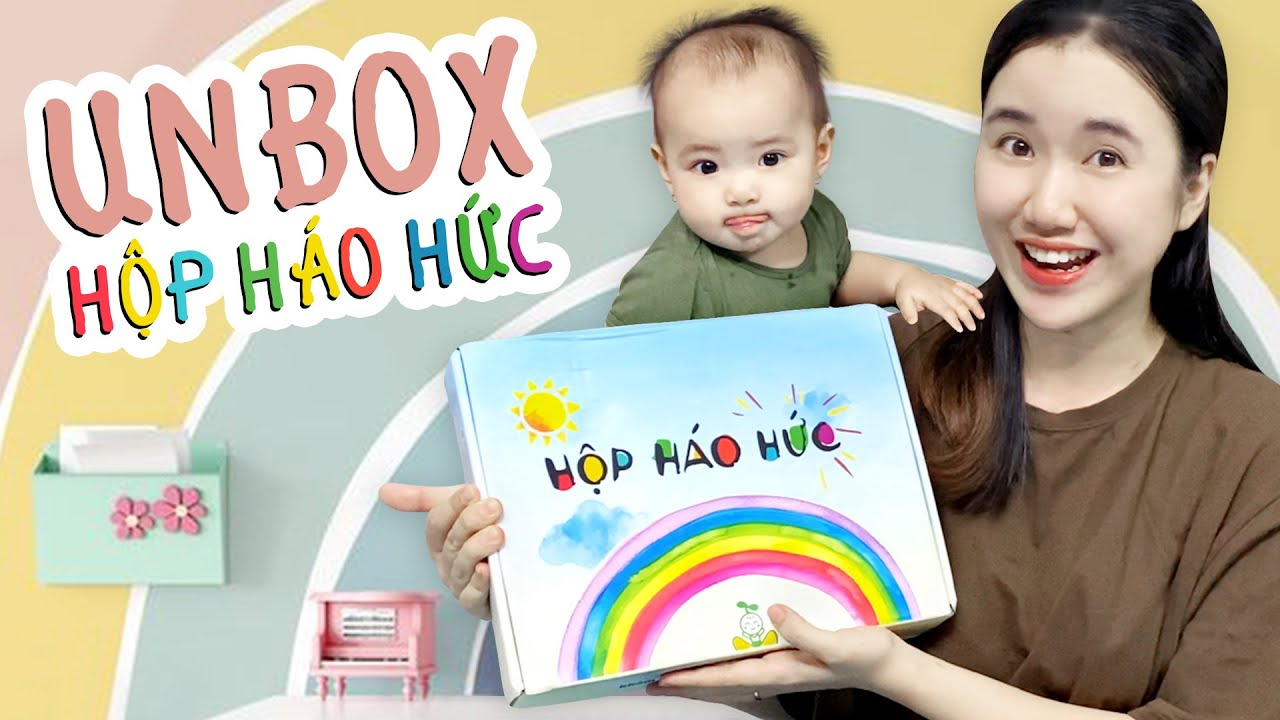 Em Ni Hớn Hở Cùng Mẹ Unbox Hộp Háo Hức | MOM STORY