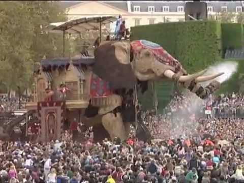 'The Sultan's Elephant' by Royal de Luxe, produced in London in 2006 by Artichoke
