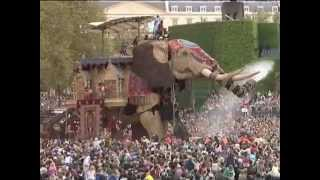 'The Sultan's Elephant' by Royal de Luxe, produced in London in 2006 by Artichoke