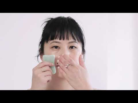 Learn Facial Gua Sha from a Chinese Medical Skincare Professional