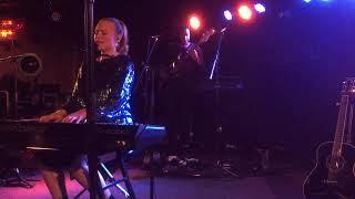 Freya Ridings - Castles live in Berlin 21.03.19 Video