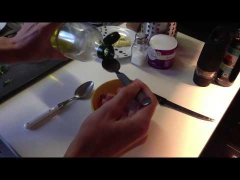 faire-un-croque-salade-de-tomate---recette-cuisine-croque-monsieur